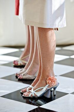Pom-shoe-clips-embee-style