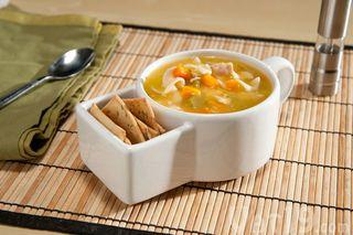 Soup-cracker-mugs-table